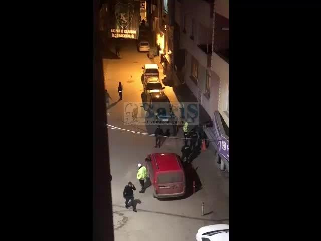 Kandıra'da bir şahıs kendine zarar vermeye başladı, polis güçlükle ikna etti