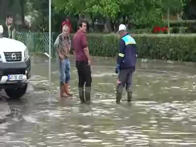 Kocaeli'de her yer sular altında