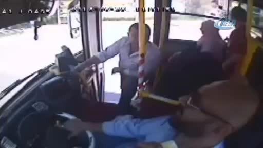 İzmit'te otobüste öldüren kavga! Sürücü can verdi