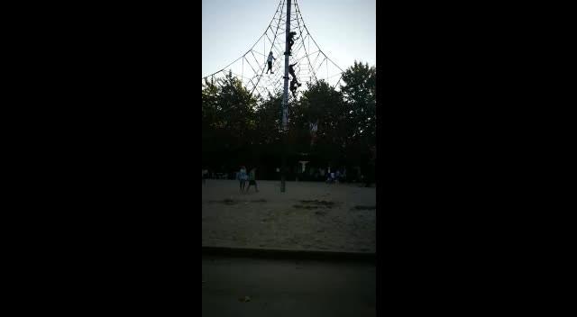 İzmit'teki parkta tehlikeli oyuncak