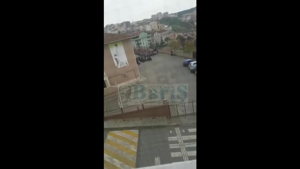Gebze'de öğrenciler okula dua ile alındı